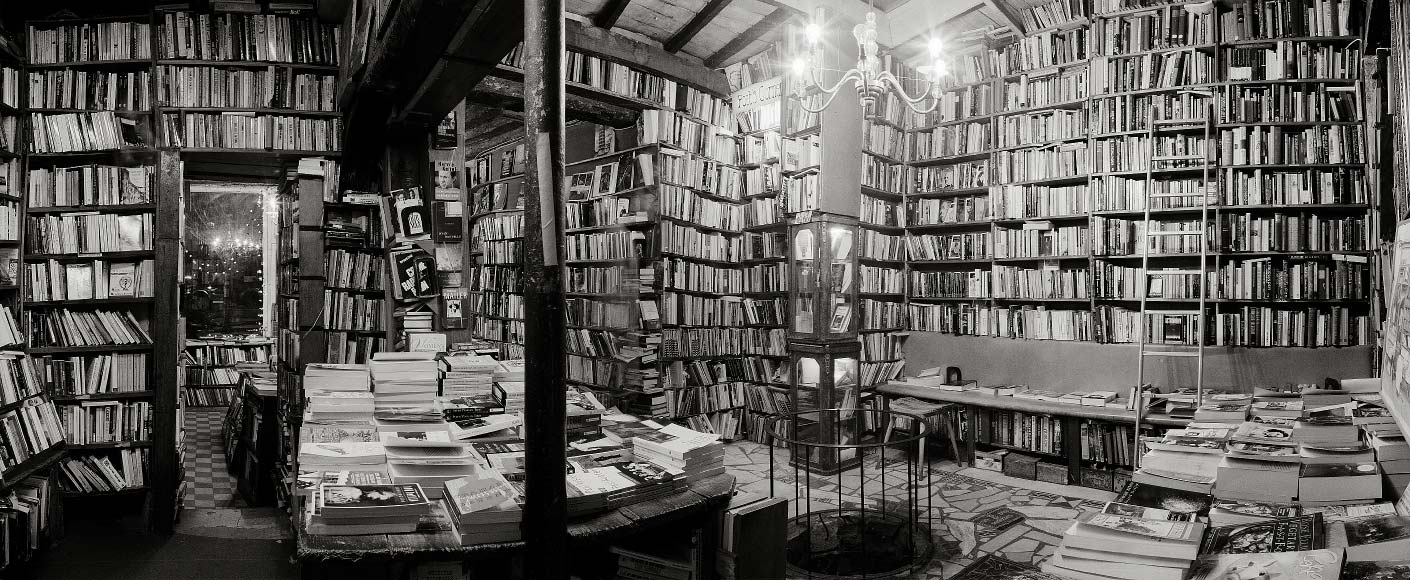 La librairie Shakespeare and Company à Paris, en face de Notre-Dame