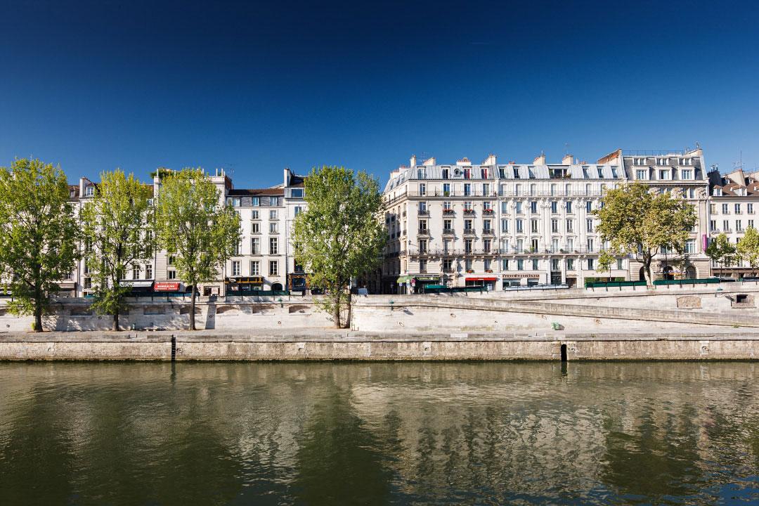fa ades du quai des grands augustins paris